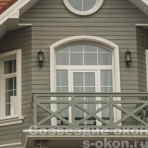 Большие окна с дверью
