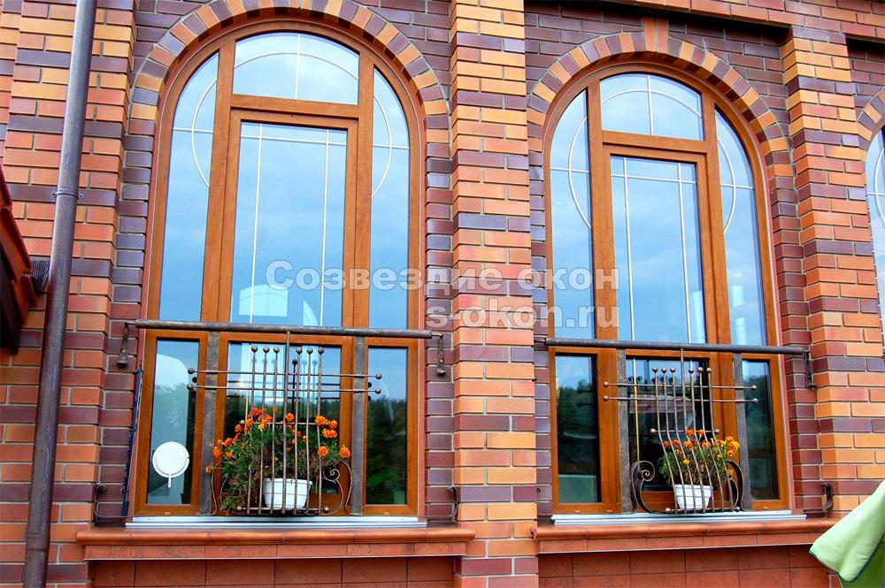 Окна с  витражами украсят дом без особых затрат - наиболее декоративные окна из возможных