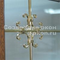 Окна с декоративными стеклопакетами могут быть оформлены шпроссами