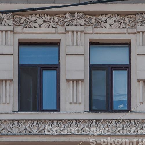 Окно в старом доме