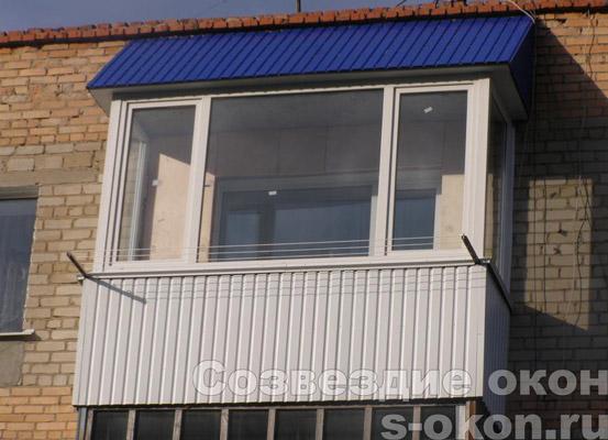 Пример остекления балкона с крышей