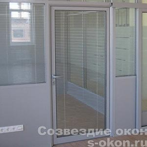Стеклянные межкомнатные двери в алюминиевом профиле