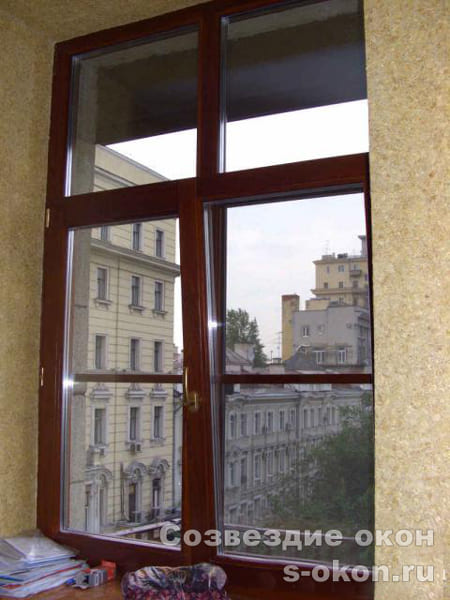 В сталинке окно