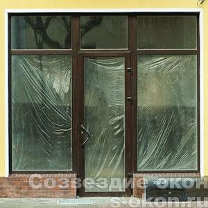 Стеклянные витрины для магазинов