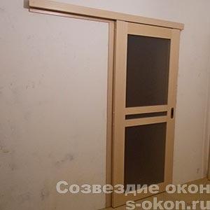 Фото стеклянной раздвижной межкомнатной двери для кухни