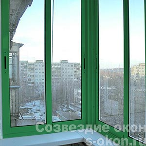 Окна с зеленым профилем
